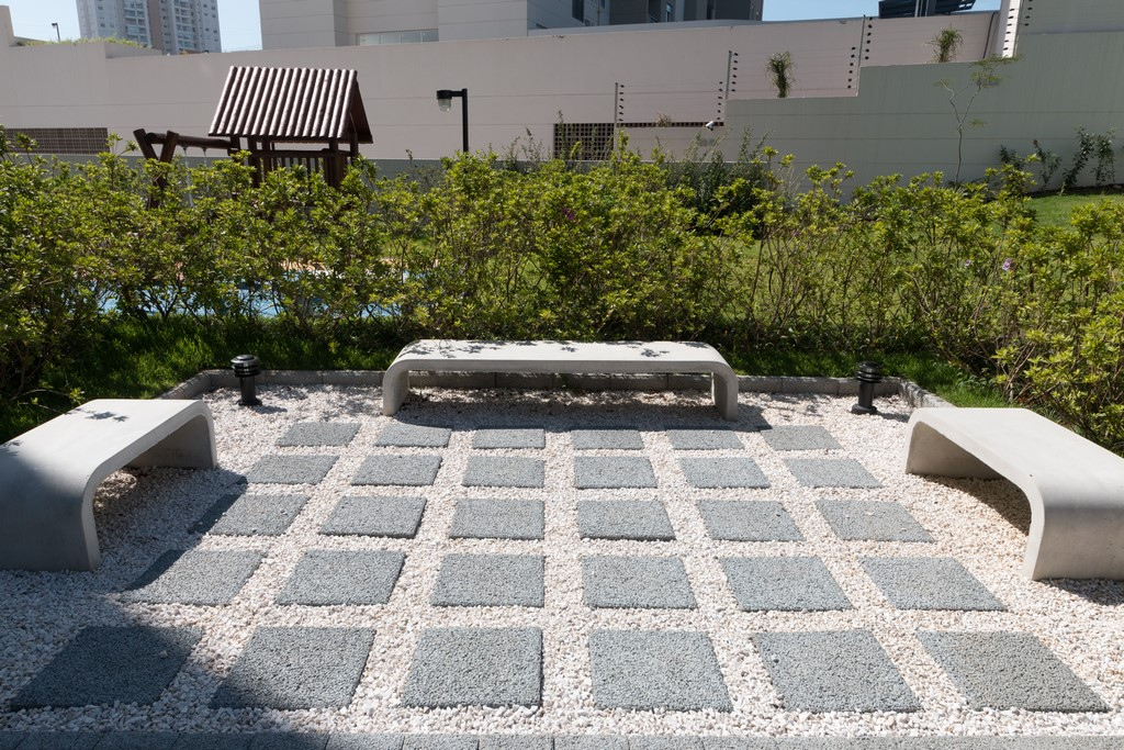 Raizes-Morumbi Praça